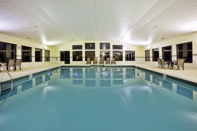 Heated Indoor Saltwater Pool 4 of 9