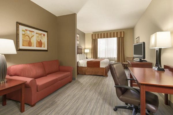 Unwind In Our Studio Suite 11 of 16
