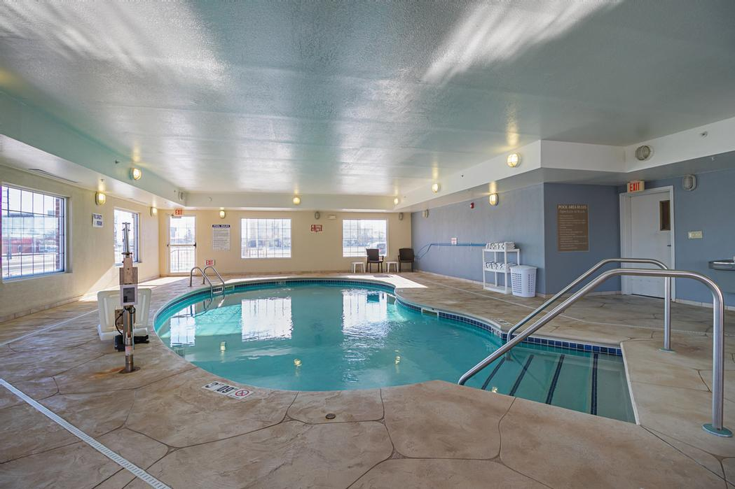 Indoor Pool 14 of 18