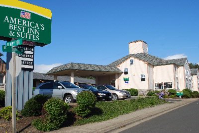America\'s Best Inn & Suites 1 of 8