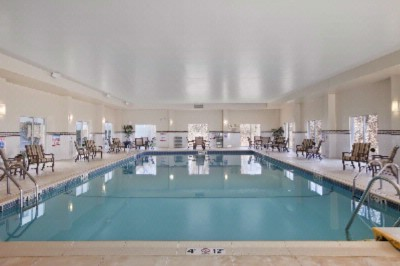 Oversized Indoor Pool 4 of 13