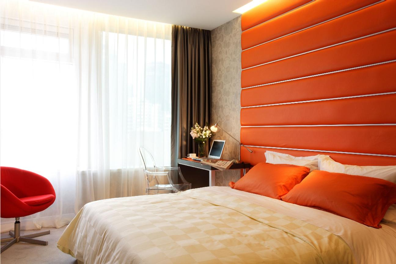 Superior Room In Orange Color 7 of 10