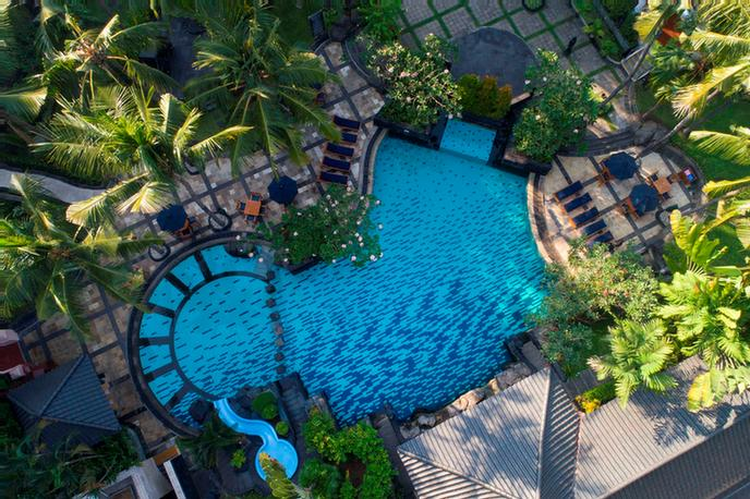 Swimming Pool & Garden 22 of 23