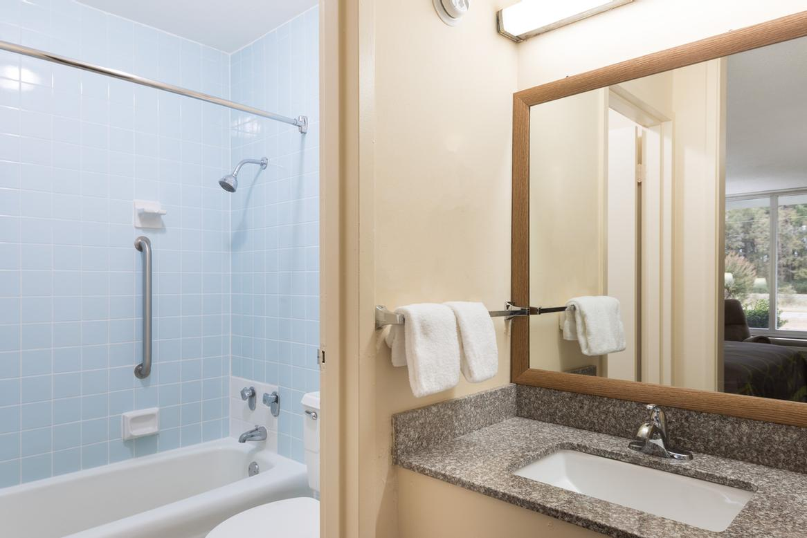 Standard Bathroom 12 of 13
