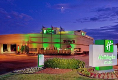 Image of Holiday Inn & Suites Farmington Hills Novi