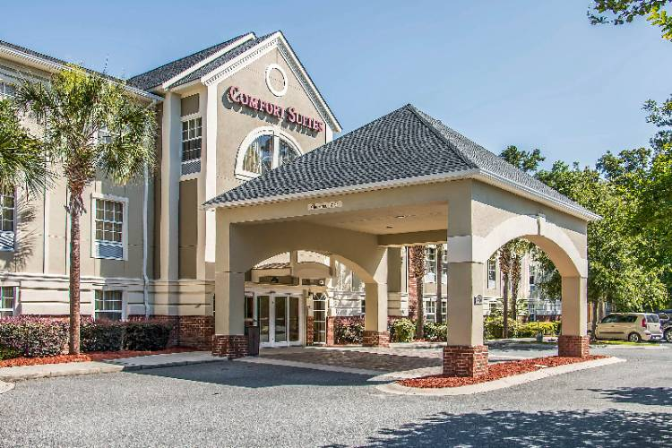 Comfort Suites of Bluffton 1 of 13