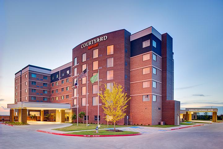 Courtyard by Marriott Dallas Carrollton 1 of 11