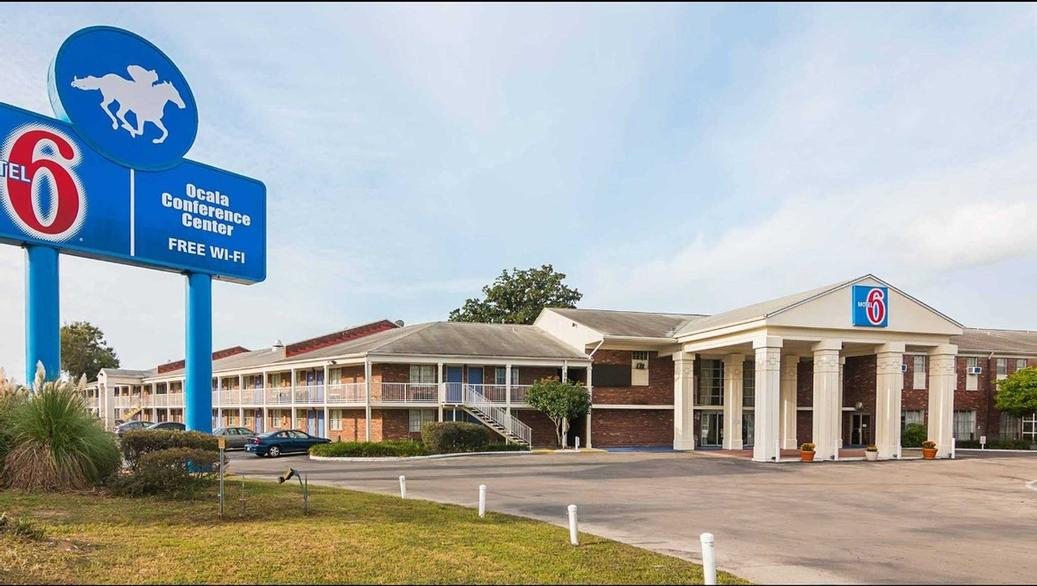 Motel 6 Ocala Conference Center 1 of 12