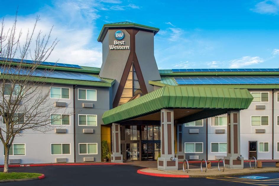 Best Western Inn At The Meadows 1215 North Hayden Dr Portland Or 97217