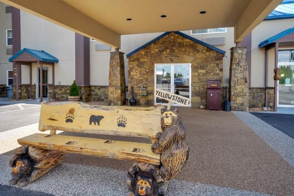 Yellowstone West Gate Hotel 1 of 7