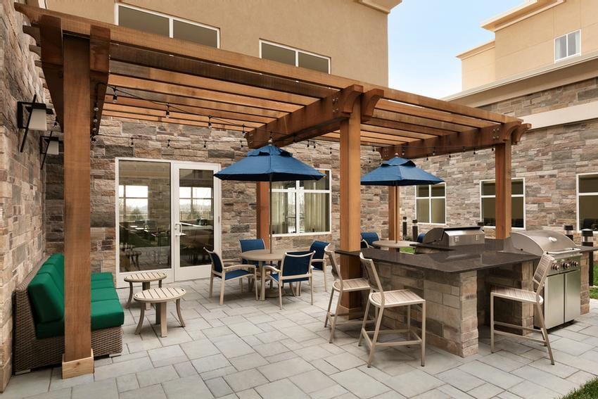 Outdoor Patio With Grills 9 of 13