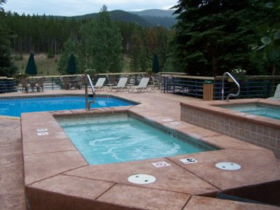 Pool & Hot Tubs At Iron Horse Resort 5 of 11