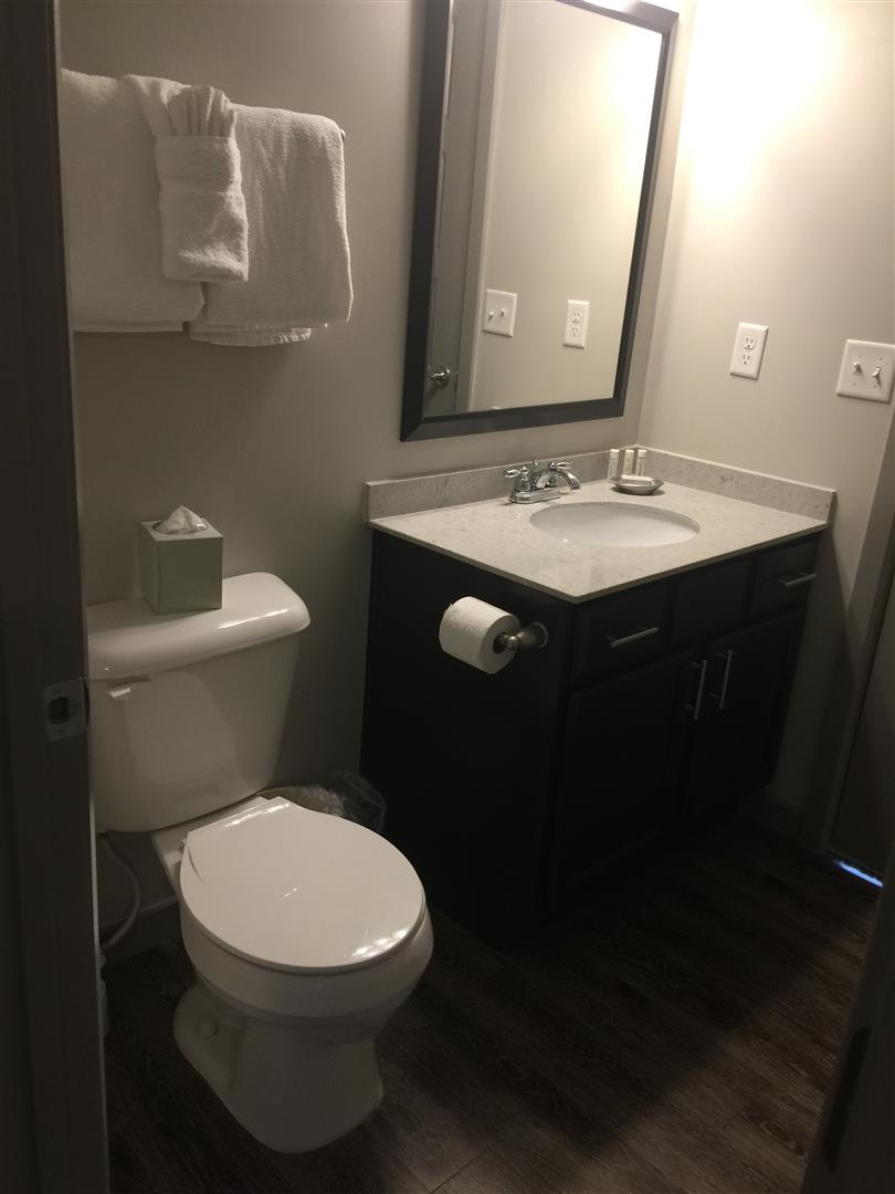 Bathroom 9 of 11