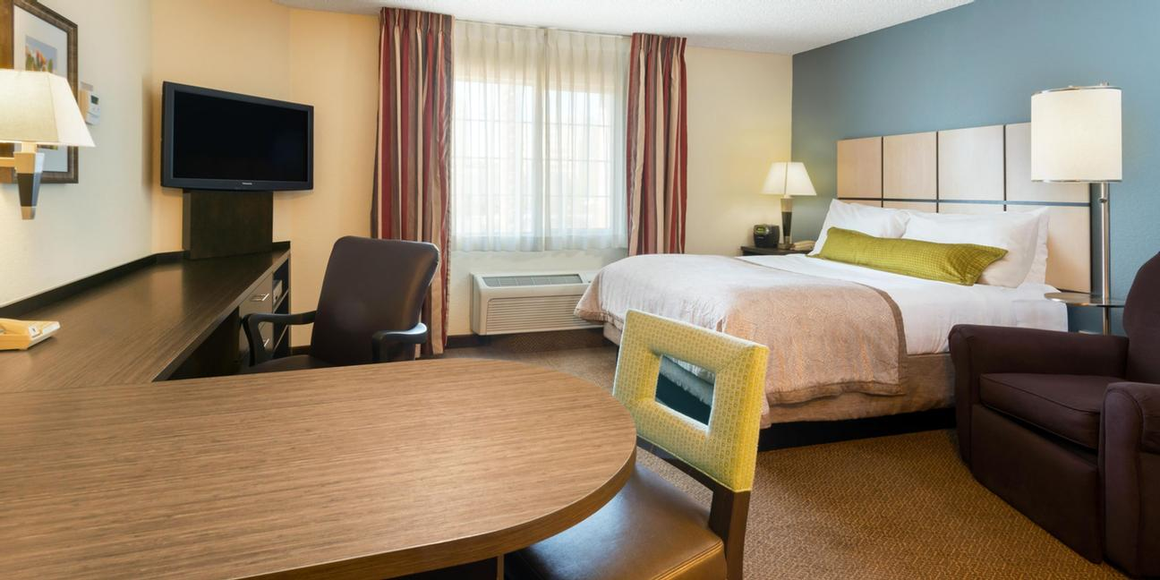 Candlewood Suites Chicago / Naperville 1 of 10