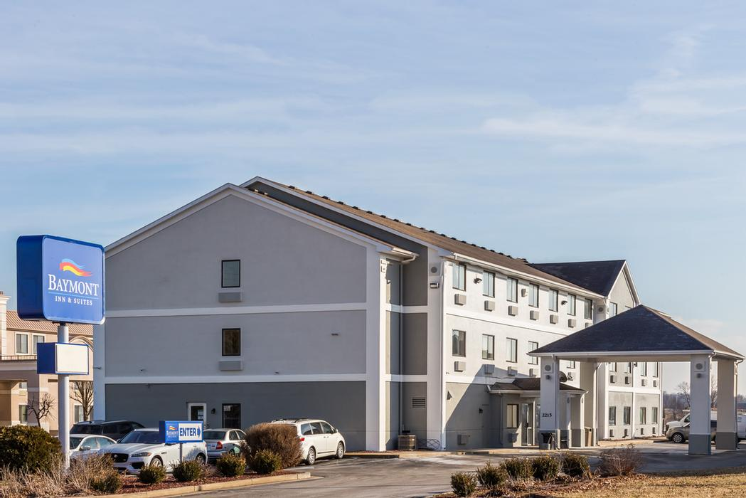 Baymont Inn & Suites Anderson 1 of 17