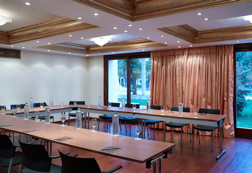 Krystalli Meeting Room 10 of 11