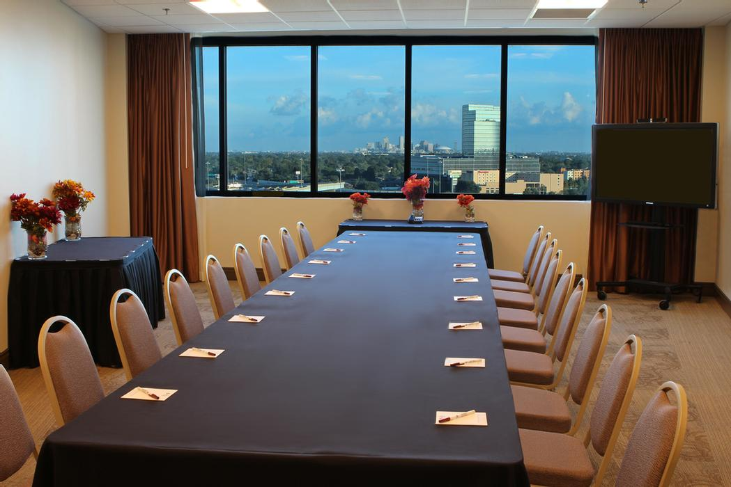Crescent City Boardroom 14 of 16