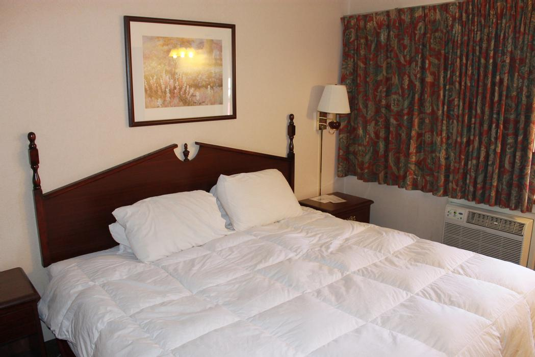 Guest Room With 1 Bed 16 of 37