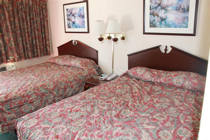 Guest Room With 2 Beds 27 of 37