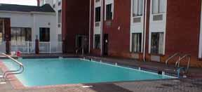 Outdoor Swimming Pool 4 of 7