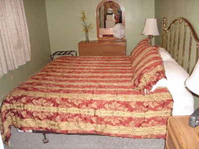 Suite Room 1 King And 1 Queen Bed 10 of 16