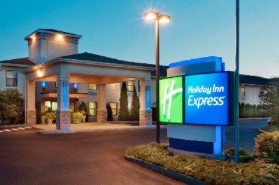 Holiday Inn Express Vernon Manchester 1 of 6