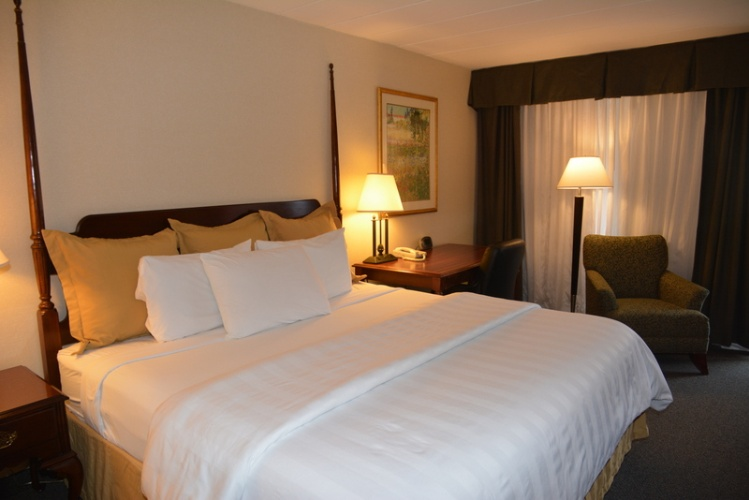 Newly Renovated Deluxe Room-King Bed 4 of 12