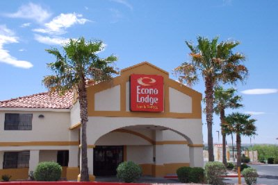 Econo Lodge Inn & Suites 1 of 6