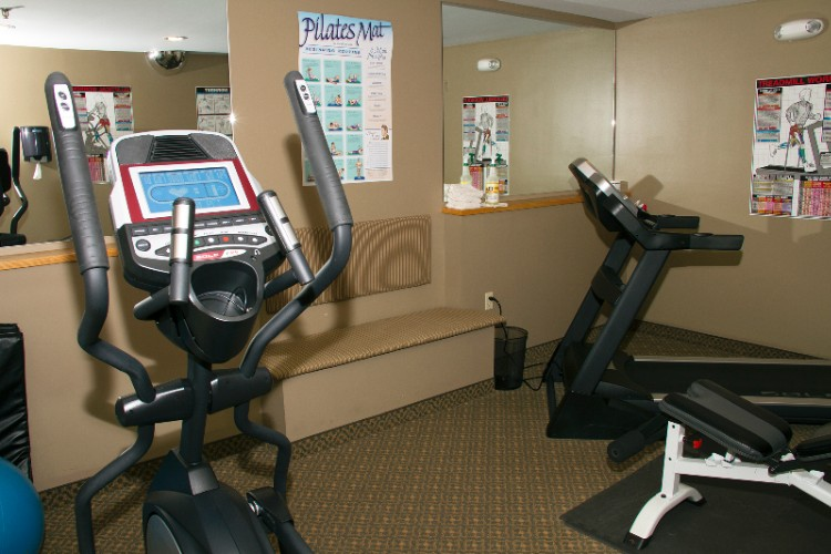 Fitness Room 19 of 20