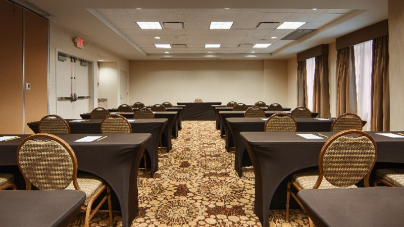 Flexible Meeting Space For Any Function Or Gathering 8 of 12