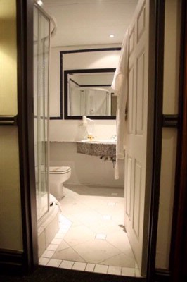 Court Classique En-Suite Bathroom 11 of 16