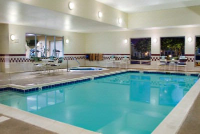 Indoor Pool And Hot Tub 3 of 4