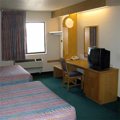 Comfortable Rooms With 2 Beds 9 of 9