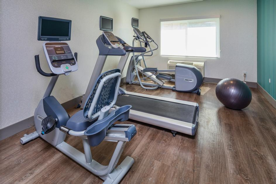 Holiday Inn Express Sunnyvale -Silicon Valley Fitness Center 9 of 16