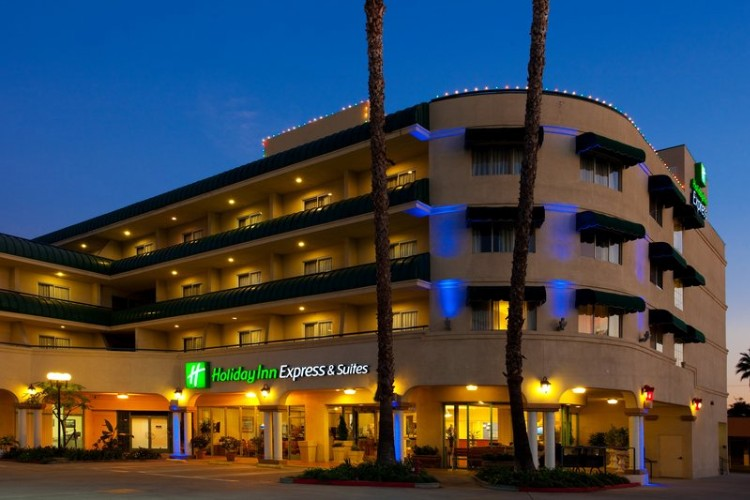 Image of Holiday Inn Express Hotel & Suites Pasadena