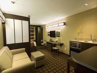 Microtel Inn & Suites Suite
