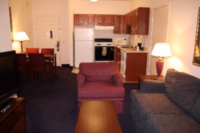 King Deluxe Suite W/pull Out Sofa Bed 12 of 17