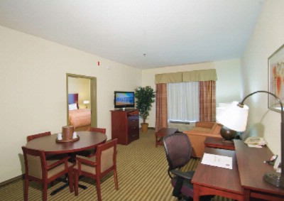 King Executive Suite 15 of 18