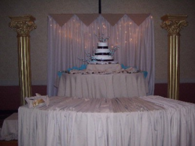 Wedding Cake Table 6 of 8