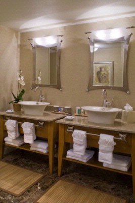 All Of Our Suites Have Been Newly Renovated Complete With Bathroom Renovation. 5 of 11