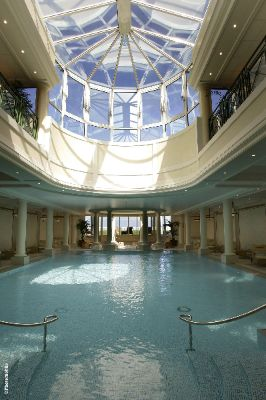 Imperial Spa -Swimming Pool & Jacuzzi 7 of 10