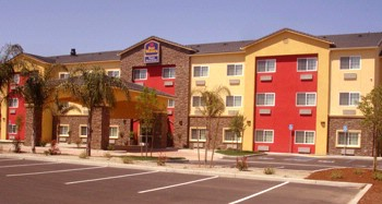 Best Western Plus Wasco Inn & Suites 1 of 19