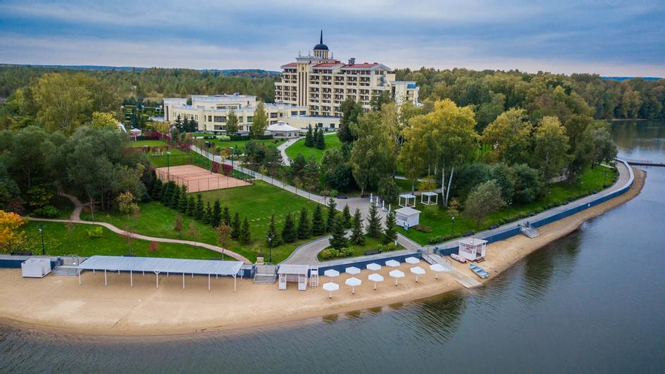 M\'istra\'l Hotel & Spa 1 of 8