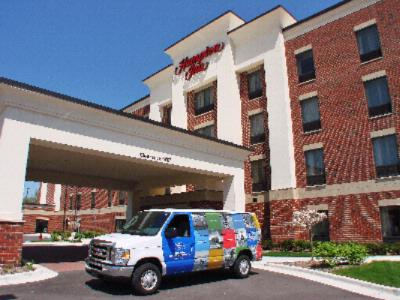 Hampton Inn Utica / Shelby Township 1 of 18