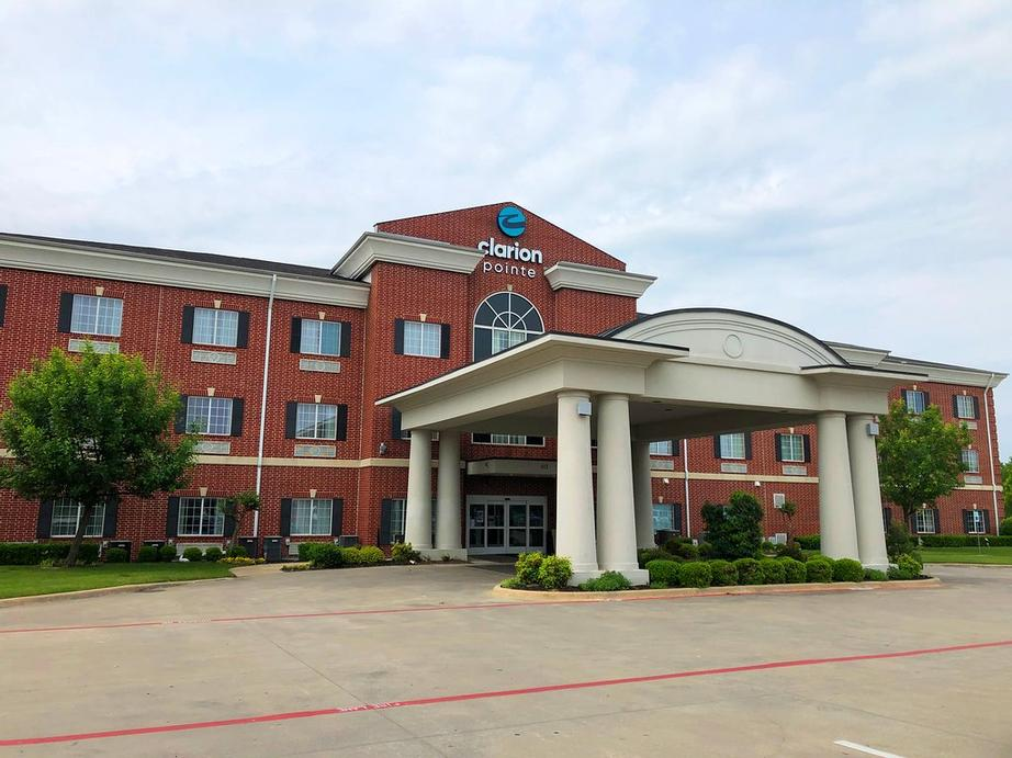 Image of Holiday Inn Express & Suites Sulphur