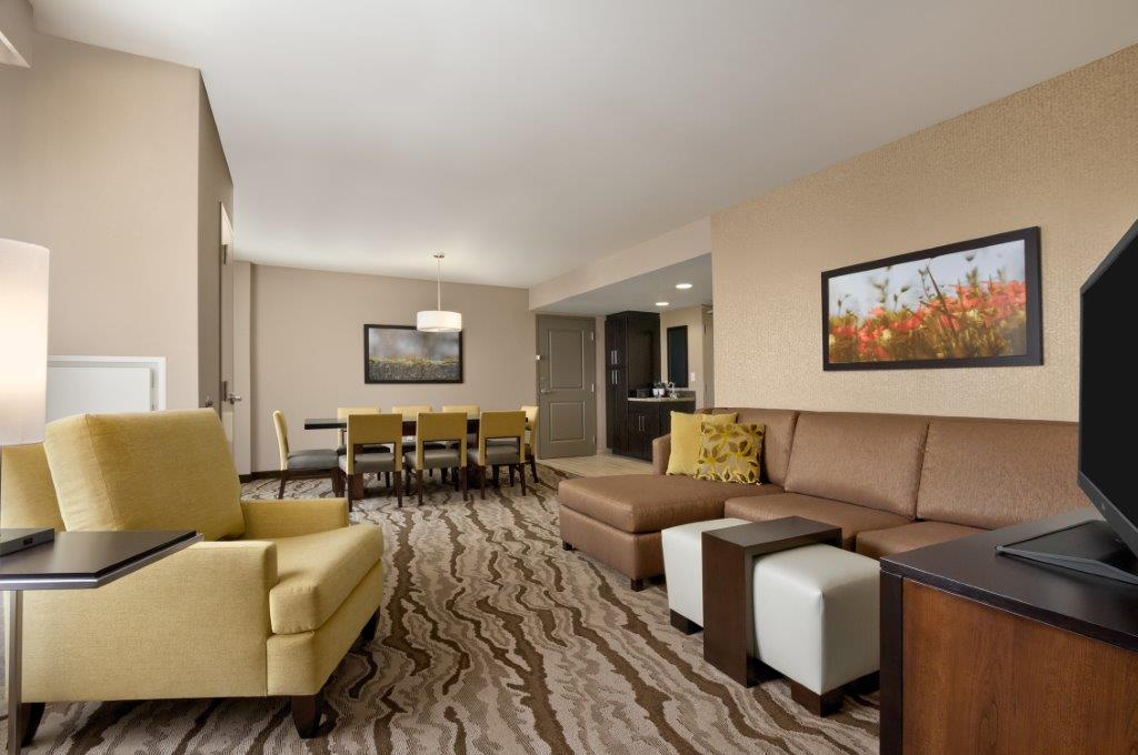 Living Area -Suite 11 of 26