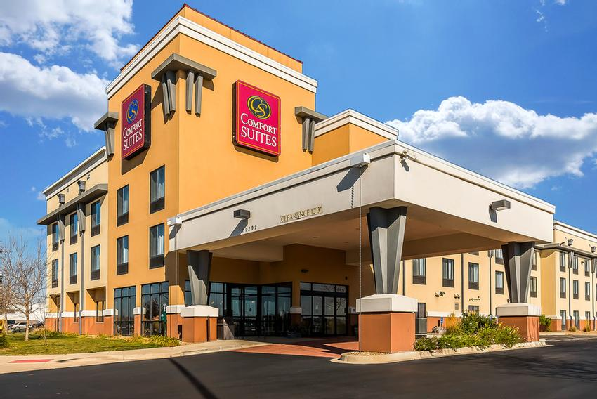 Comfort Suites Property 2 of 15
