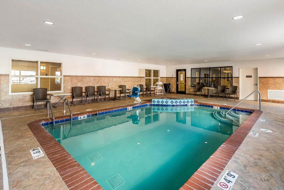 Indoor Pool & Spa 13 of 15