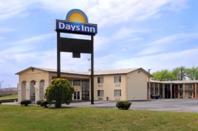 Knights Inn Greenville 5000 Interstate Highway 30 Tx 75402