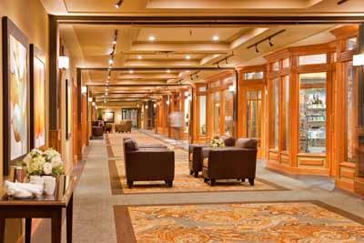Retail Hallway In Banff Park Lodge 4 of 9